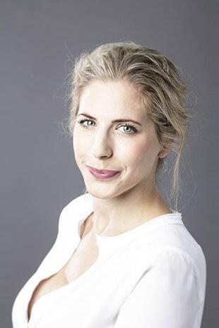 Michaela Kristina Mayer - Sprecherin und Stimme von Stella